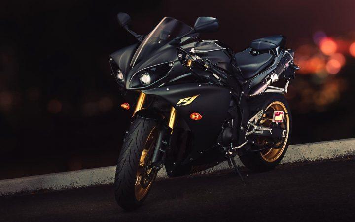 Yamaha YZF R1 SUPERBIKES
